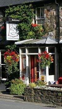 Tanronnen Inn entrance and sign